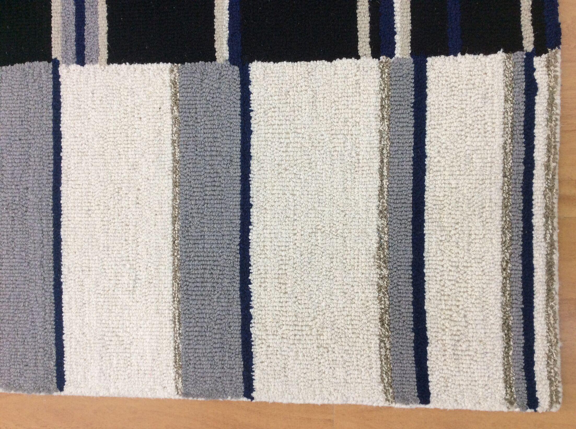 Wool Hand-Tufted Ivory/Black Area Rug