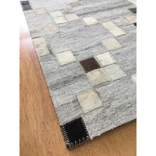 Hand-Woven  Gray / Charcoal Area Rug Rug Size: Rectangle 4' x 6'