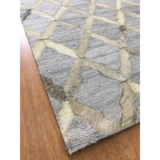 Hand-Woven Gray / Ivory Area Rug Rug Size: Rectangle 5' x 8'