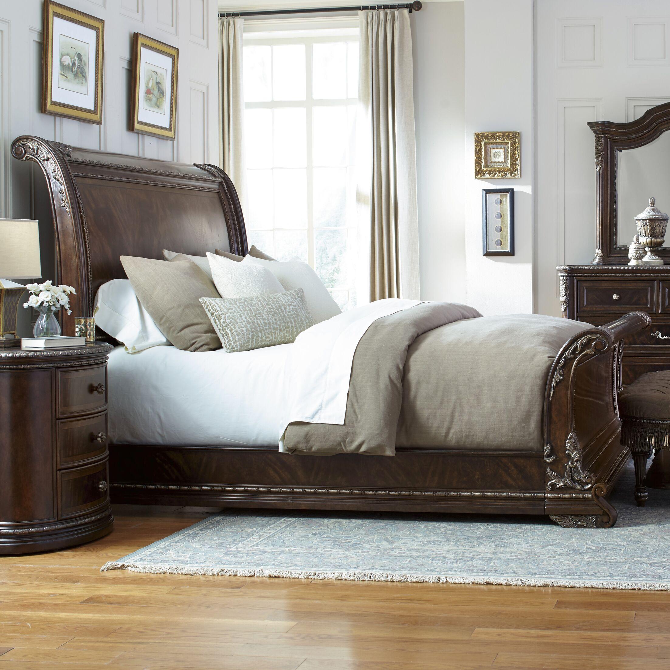 Hepburn Sleigh Bed Size: Queen