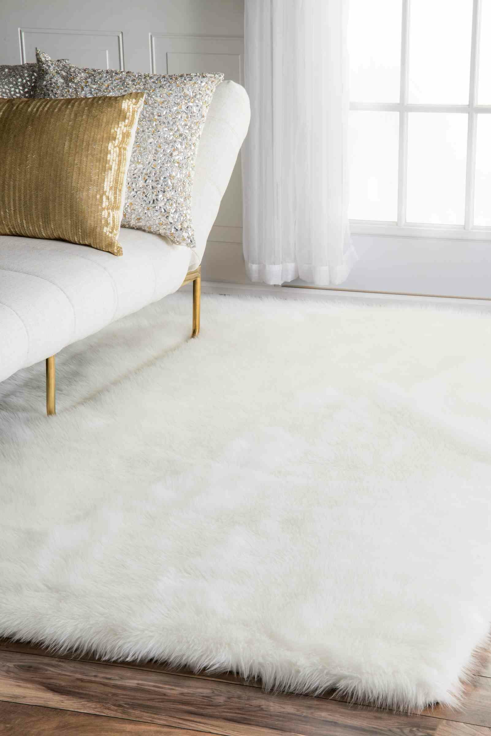 Walmer White Area Rug Rug Size: Rectangle 6' x 9'