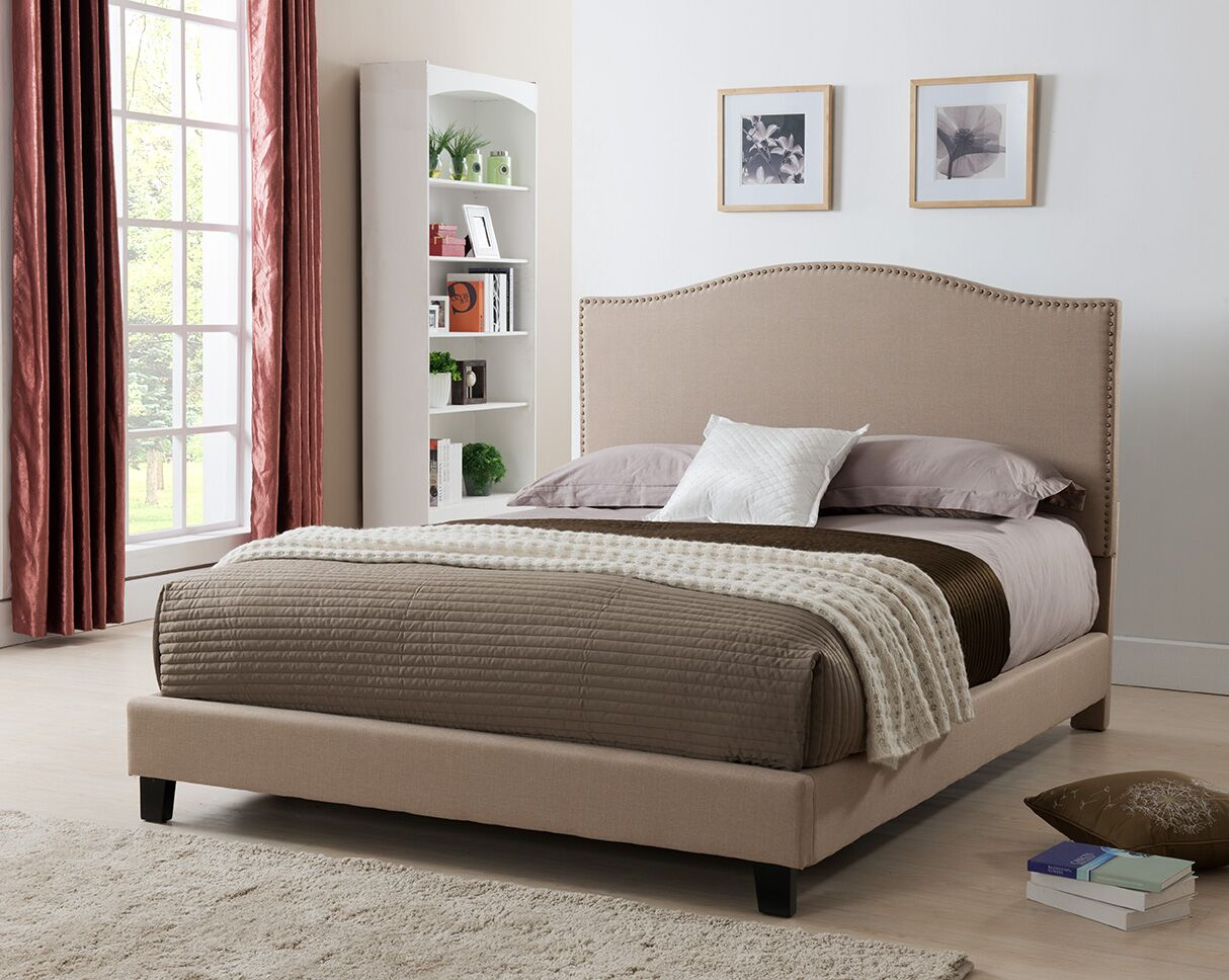 Brittany Upholstered Platform Bed Size: King