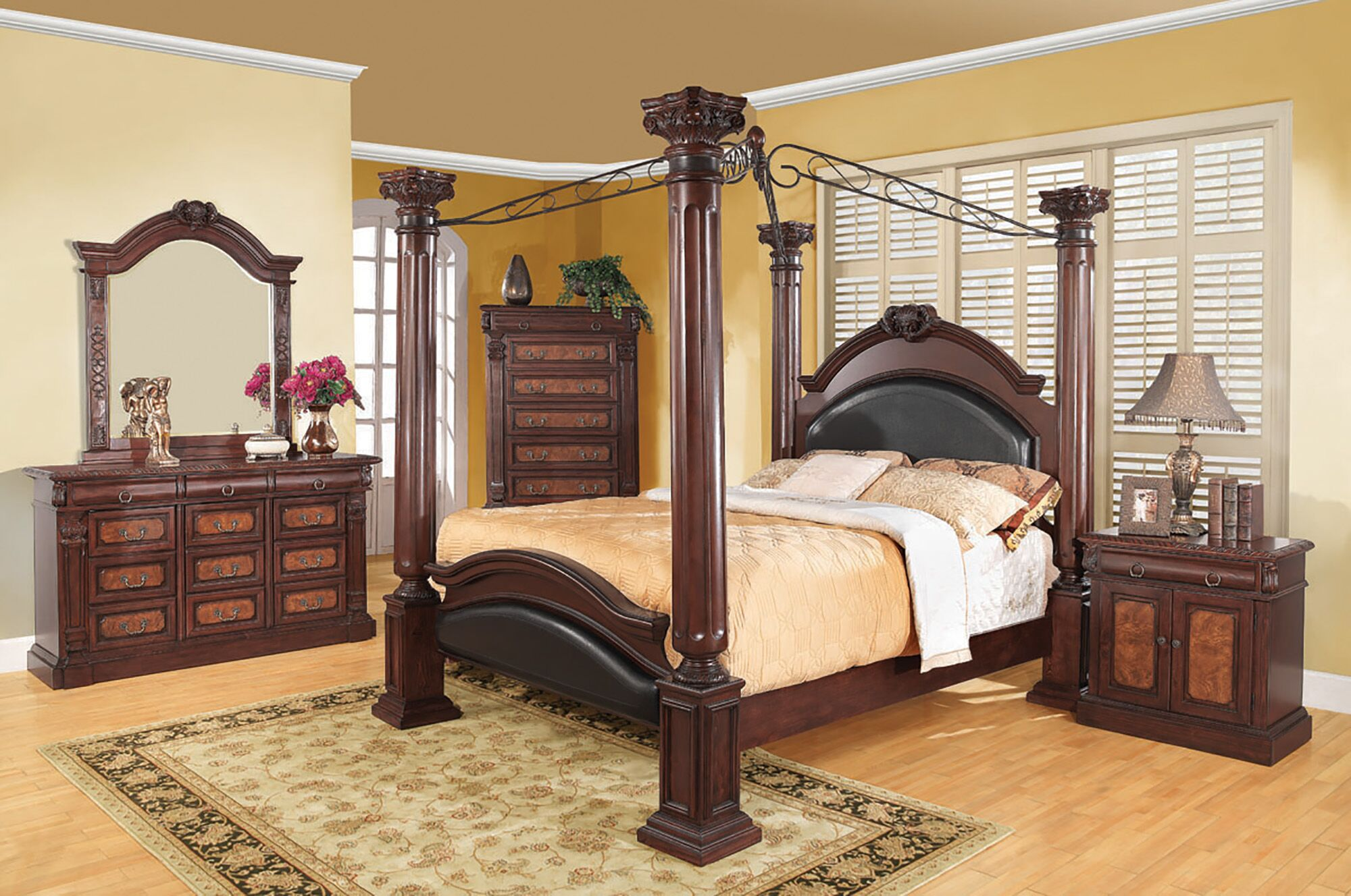 Broadwater Canopy Bed Size: Queen