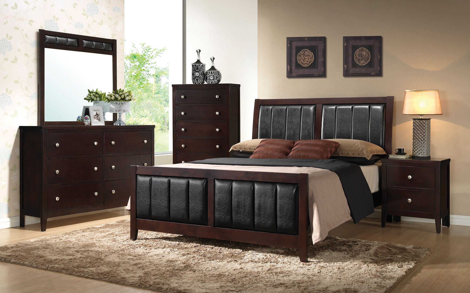 Cruise Upholstered Panel Bed Size: Queen