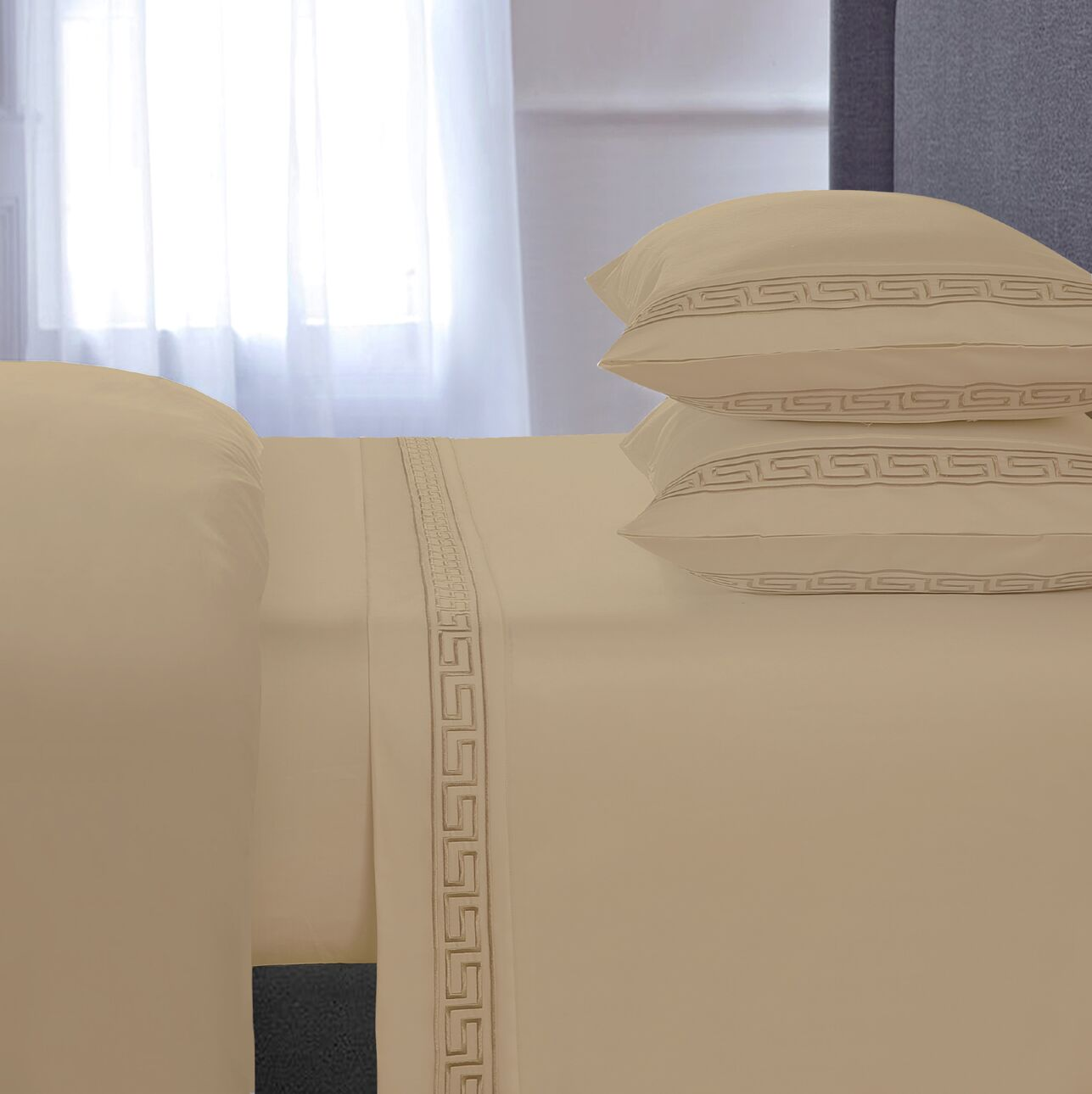 Chasing Embroidered 4 Piece 600 Thread Count 100% Cotton Sheet Set Size: Queen, Color: Taupe