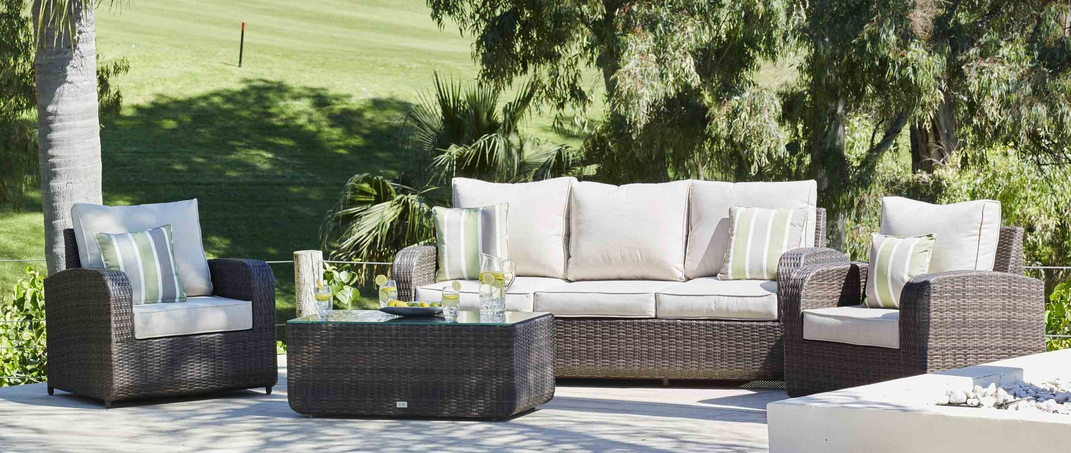 Perillo 4 Piece Sectional Set with Cushions Cushion Color: Gray