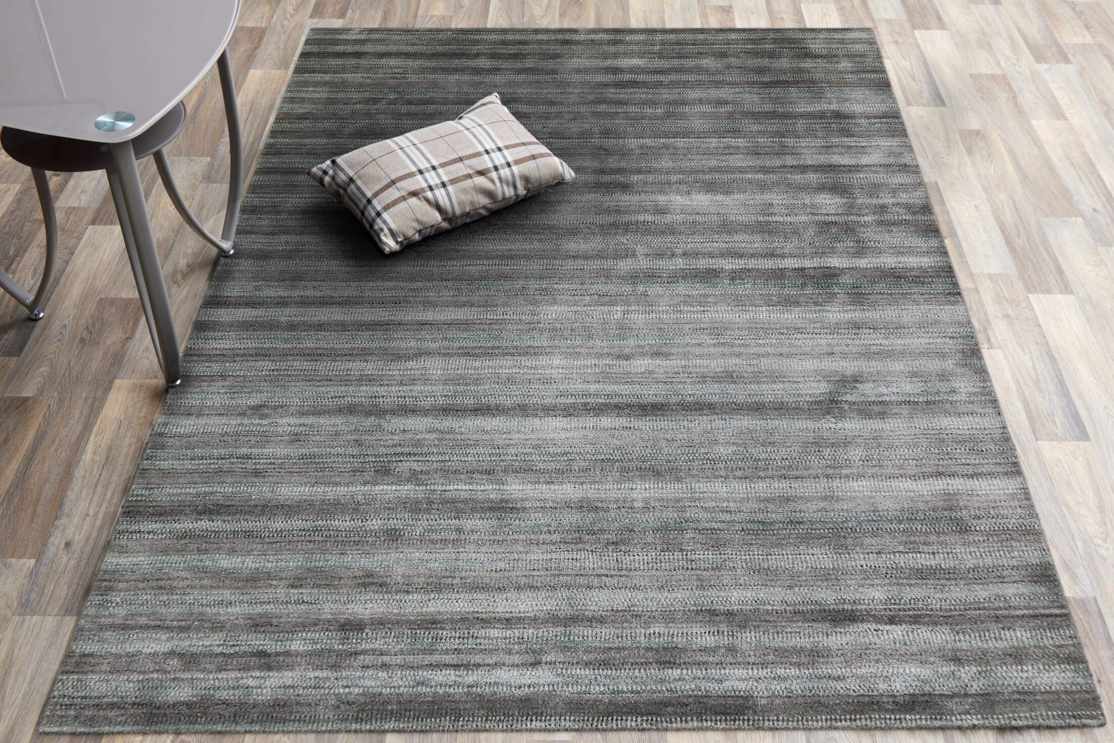 Adamsburg Hand-Woven Silver/Gray Area Rug Rug Size: Rectangle 3' x 5'
