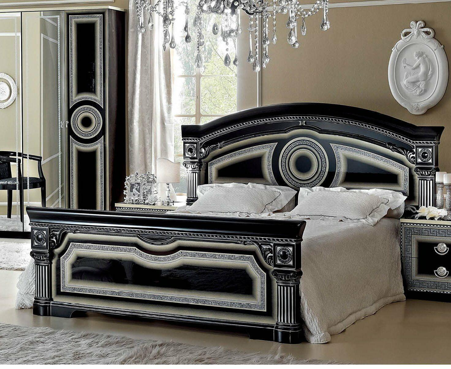 Alexzander Platform Bed Size: Queen