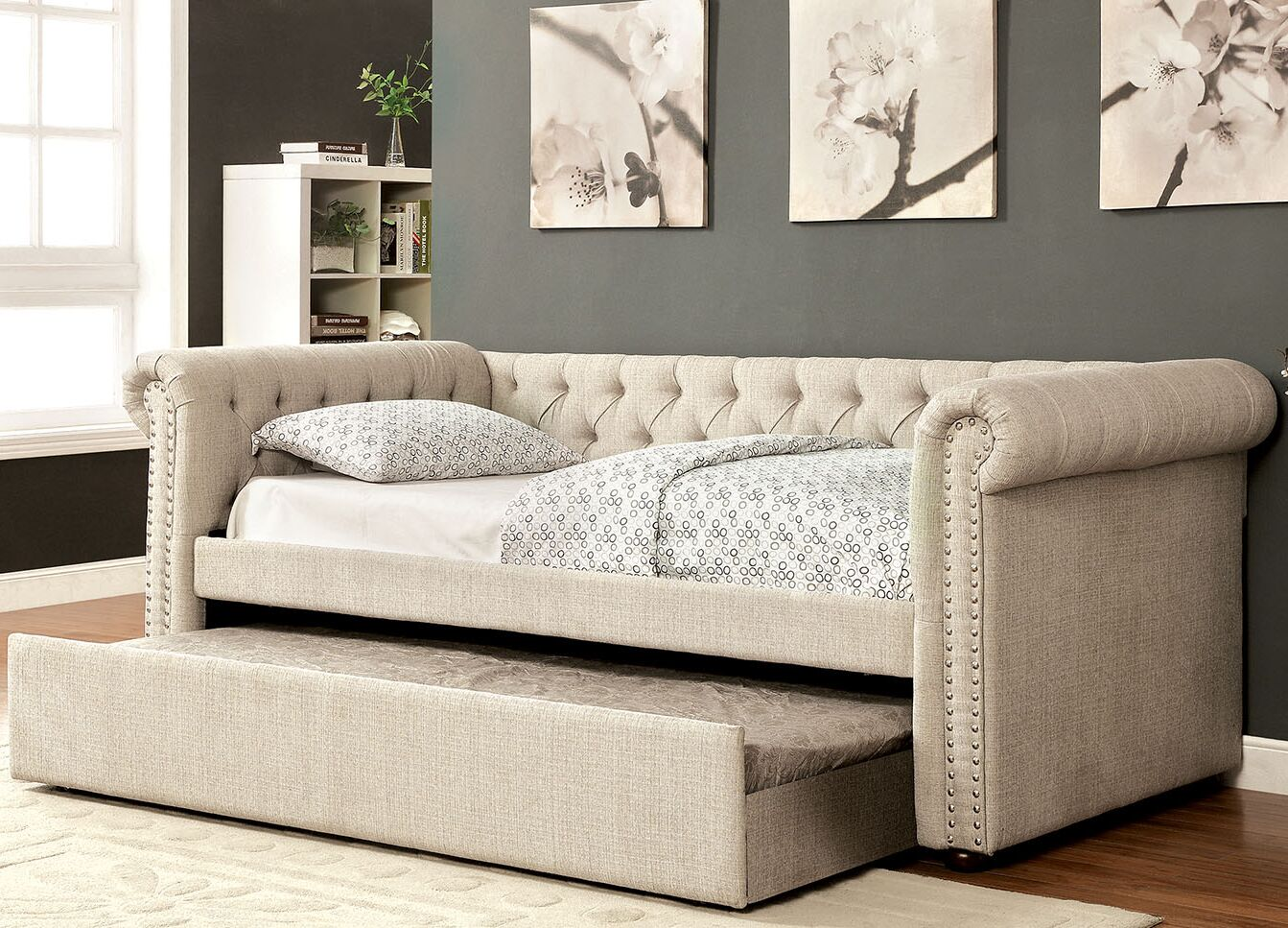 Leona Daybed with Trundle Color: Beige, Size: Queen