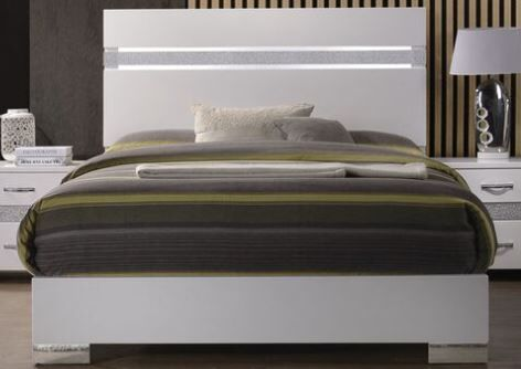 Hulbert Panel Bed Size: Queen