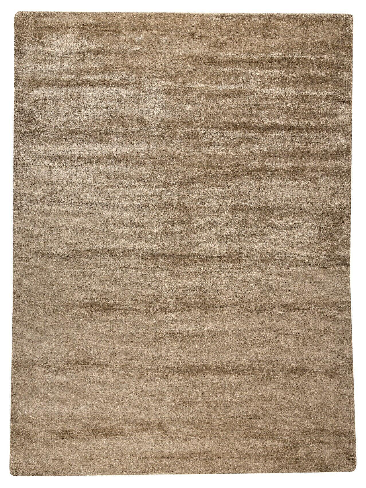 Platinum Hand-Woven Sand Area Rug Rug Size: 5'6