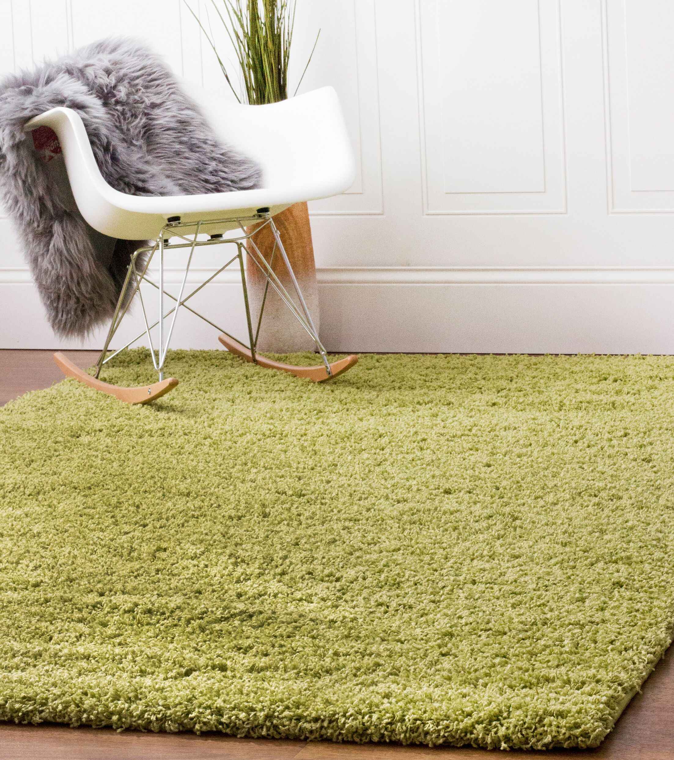 Green Area Rug Rug Size: 5' x 8'