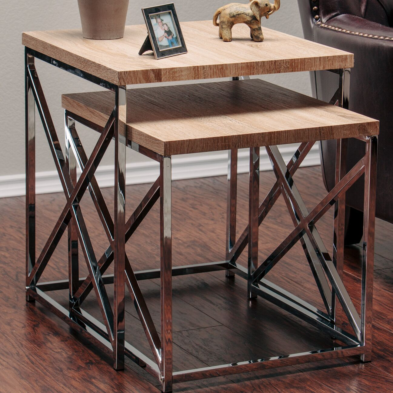 2 Piece Nesting Tables Color: Natural