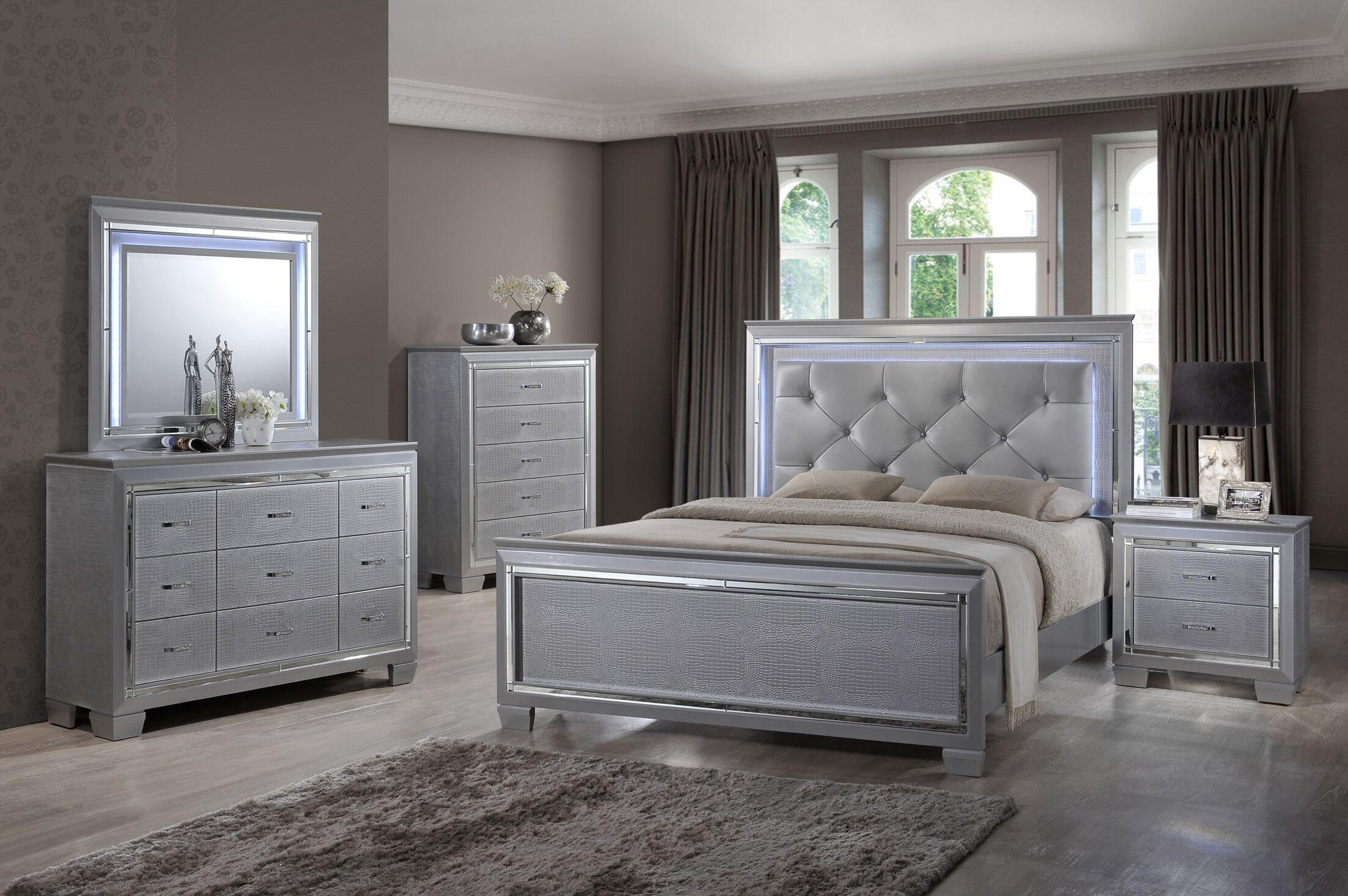Panel 4 Piece Bedroom Set Size: Queen