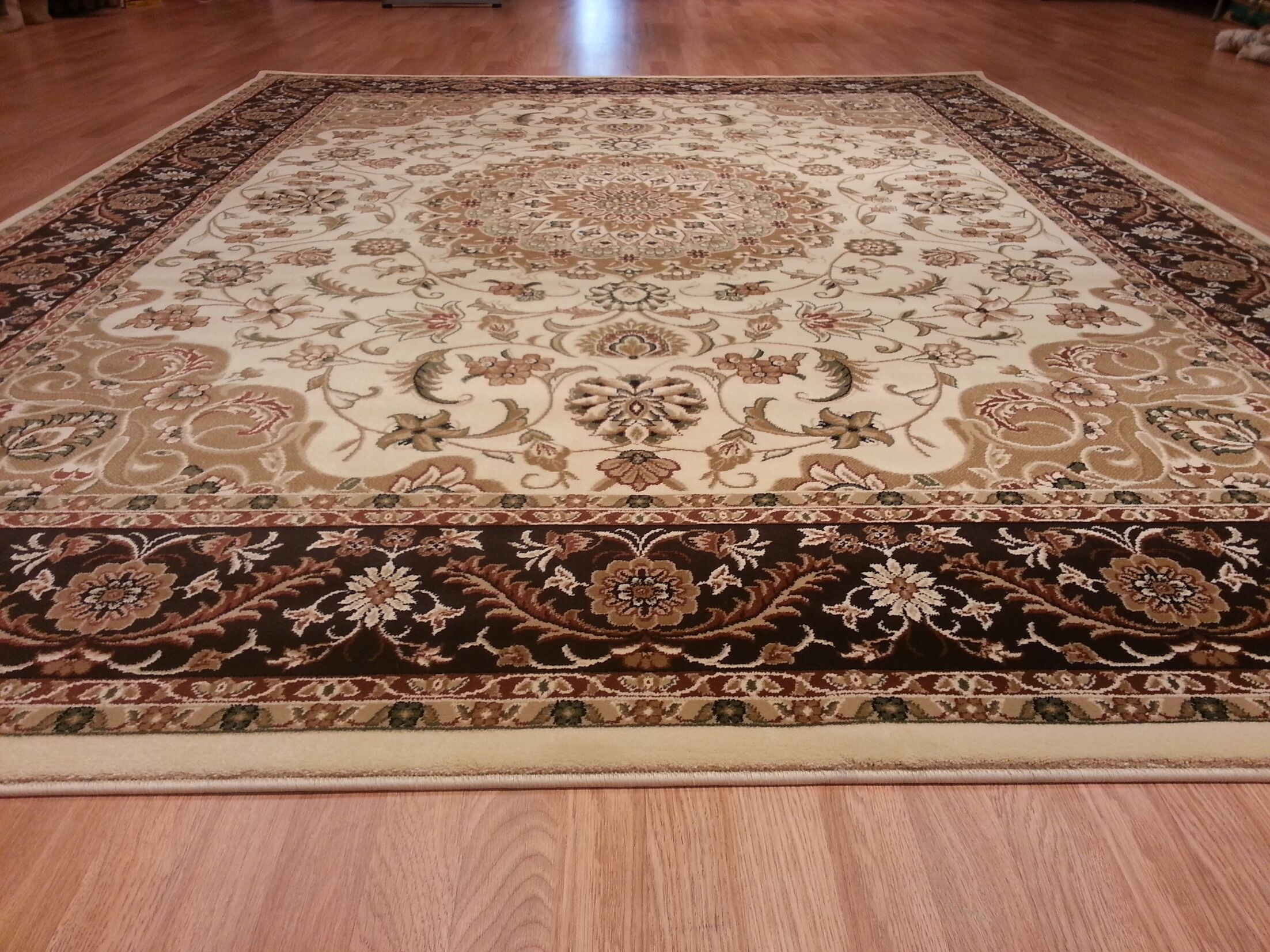 Brown/Beige Area Rug Rug Size: Rectangle 5'3