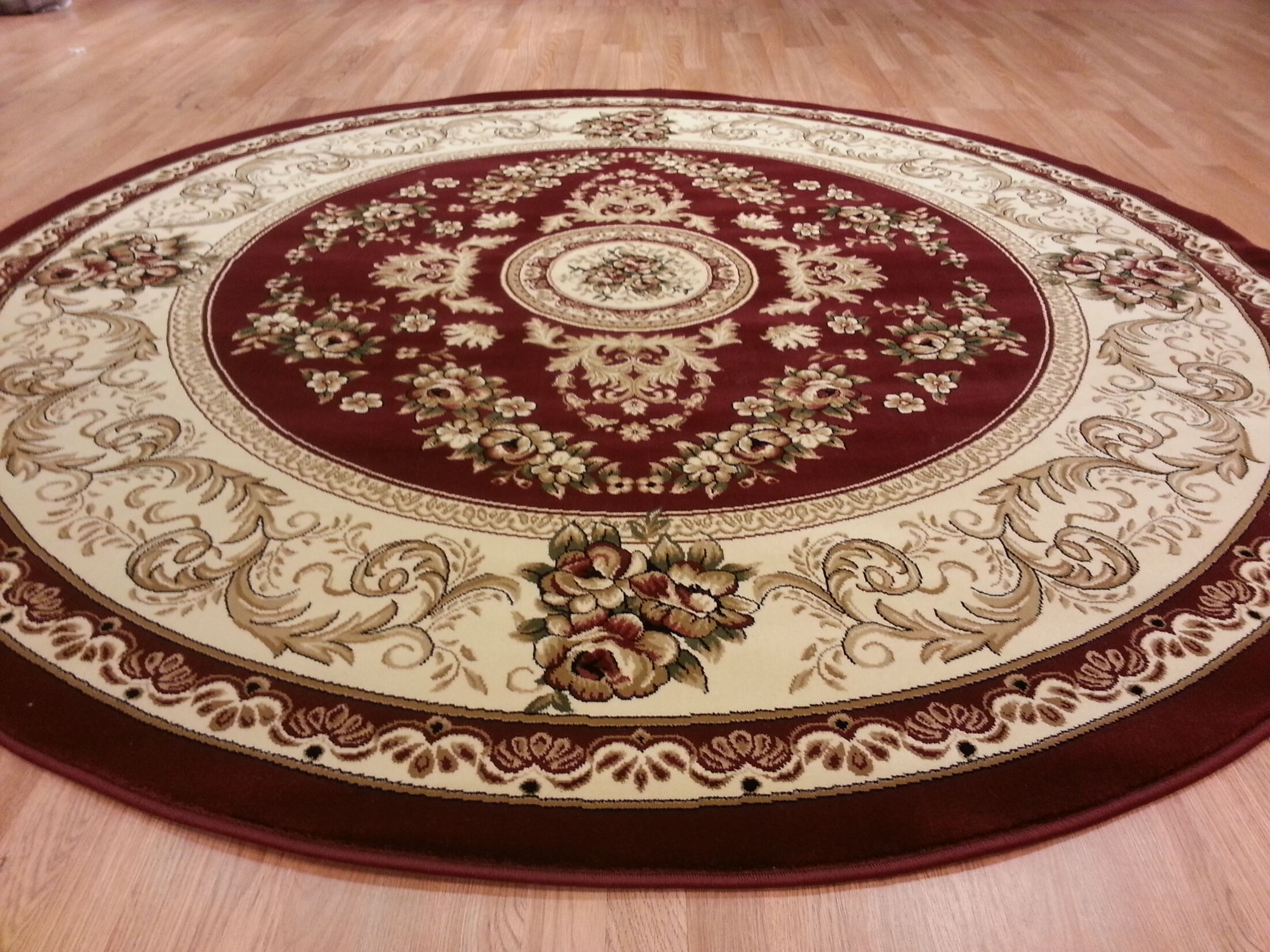 Red Area Rug Rug Size: Round 8'