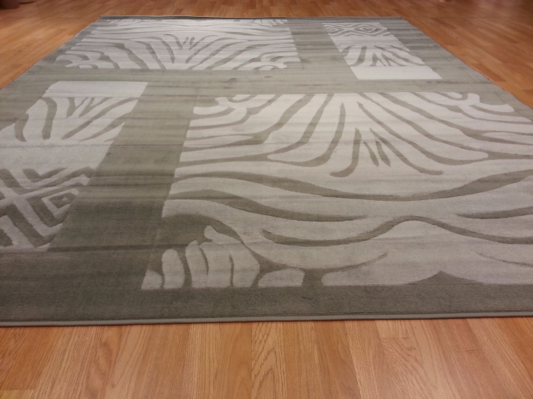 Hand-Carved Gray Area Rug Rug Size: Rectangle 5'3