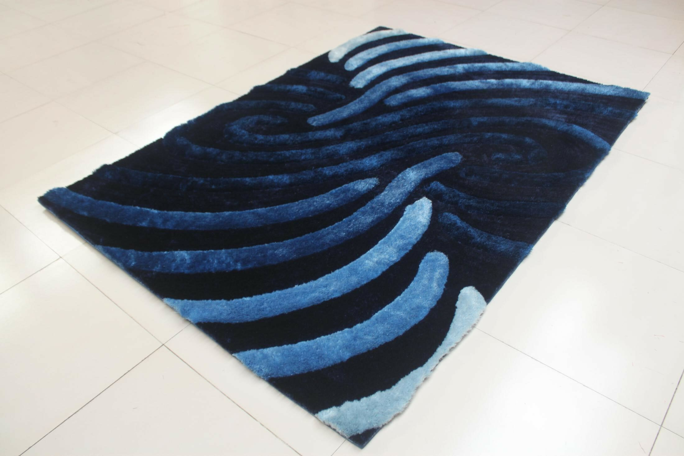 Shelie Stain Resistant Blue Area Rug Rug Size: 5'3