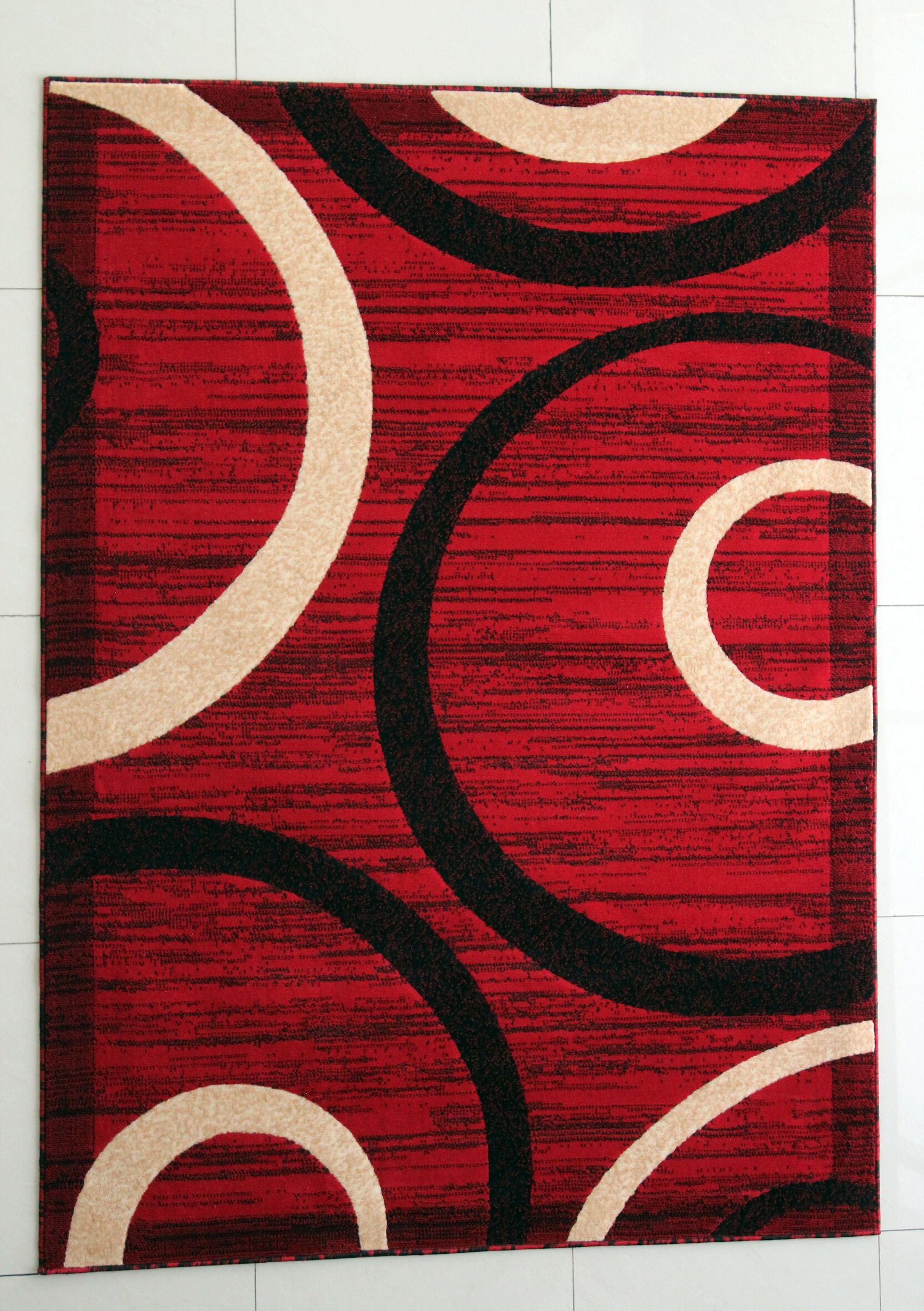 MariJo Red Area Rug Rug Size: 5'3