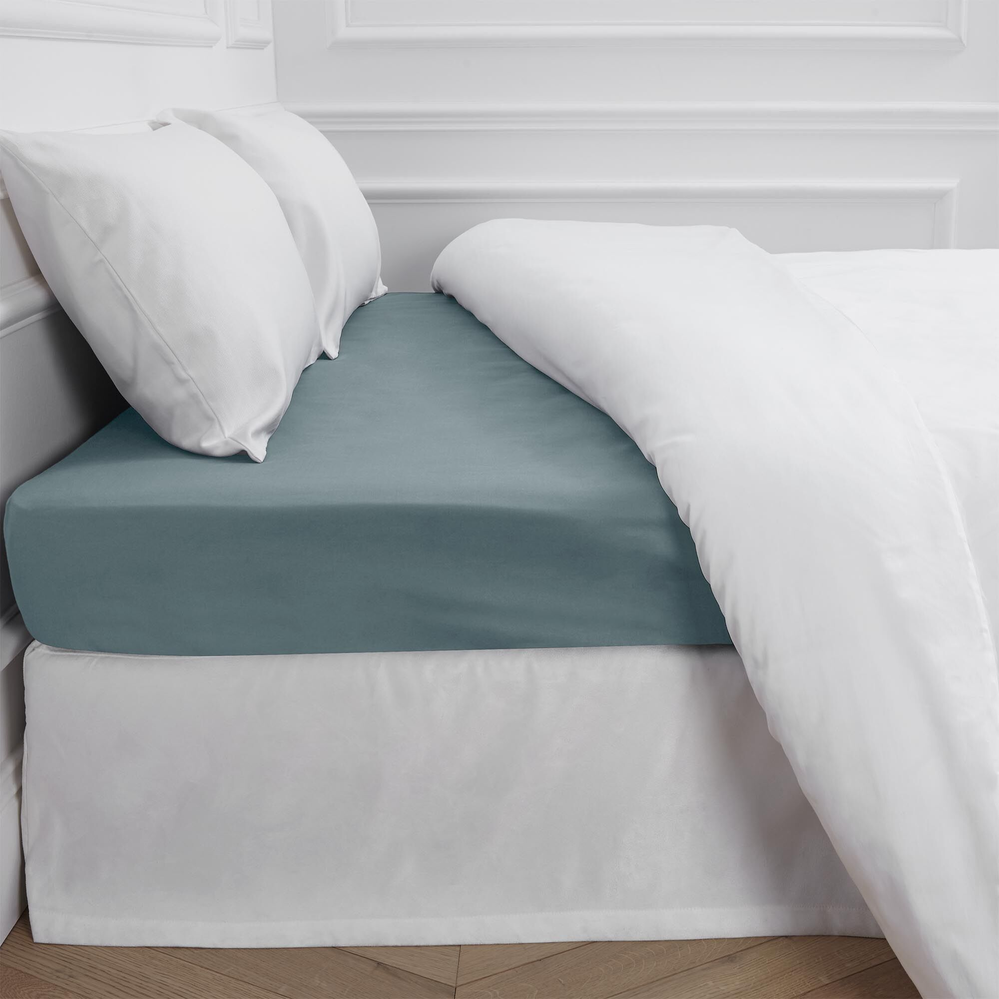 Aurore 300 Thread Count Fitted Sheet Color: Green, Size: Full