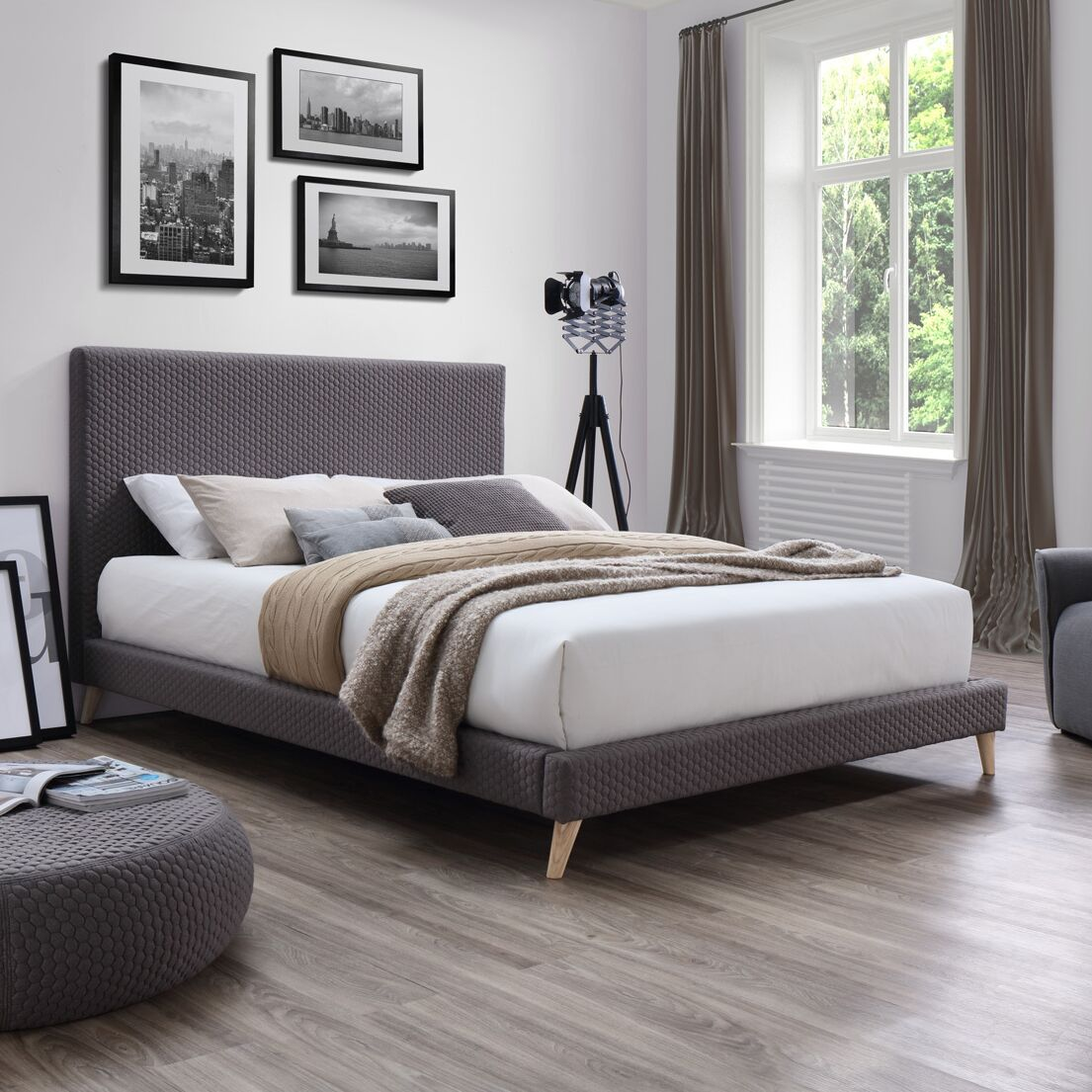 Eder Upholstered Platform Bed Size: King
