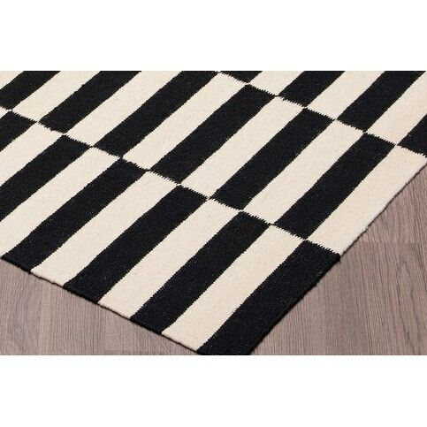 Logan Square Kilim Reversible Hand Woven Wool Black/Ivory Area Rug Rug Size: Rectangle 5' x 8'