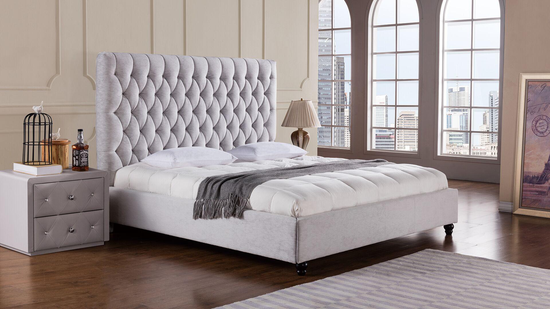 Sterling Upholstered Platform Bed Size: Queen