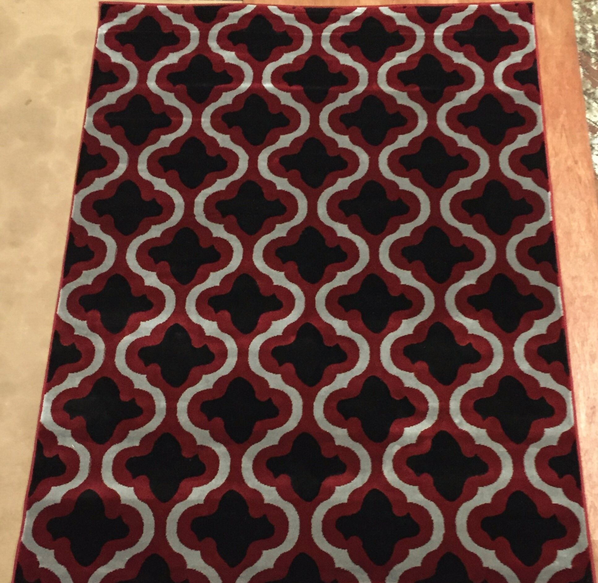 Liza Red Area Rug Rug Size: 7'10