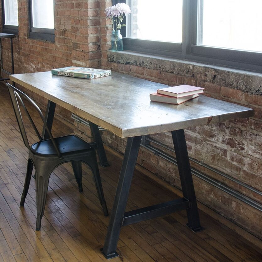 Dining Table Top Finish: Oil, Size: 42
