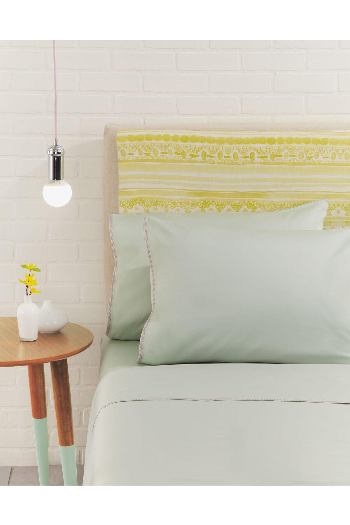 Nessa Pillowcase Pair Color: Mint, Size: Standard/Twin
