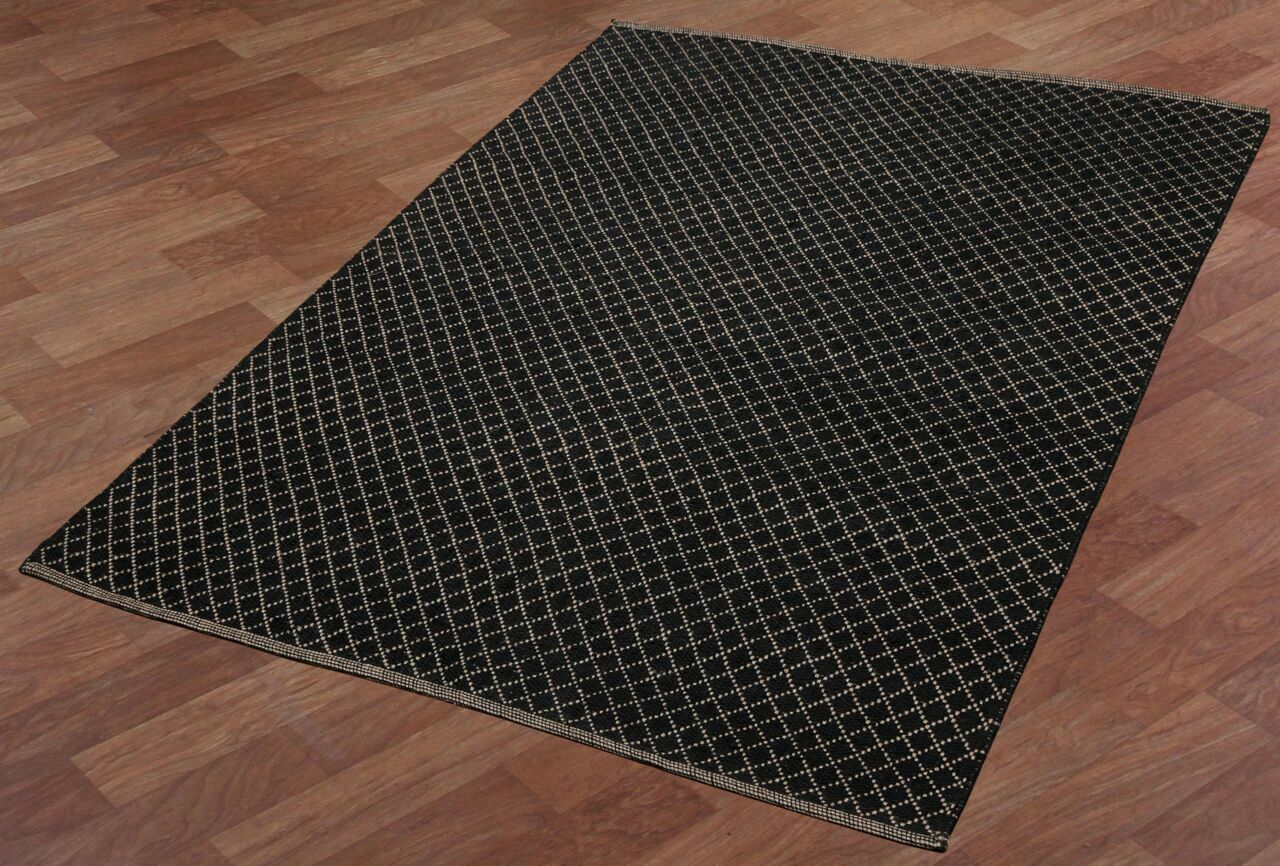 Synthia Hand-Woven Black Area Rug Rug Size: 9' x 12'