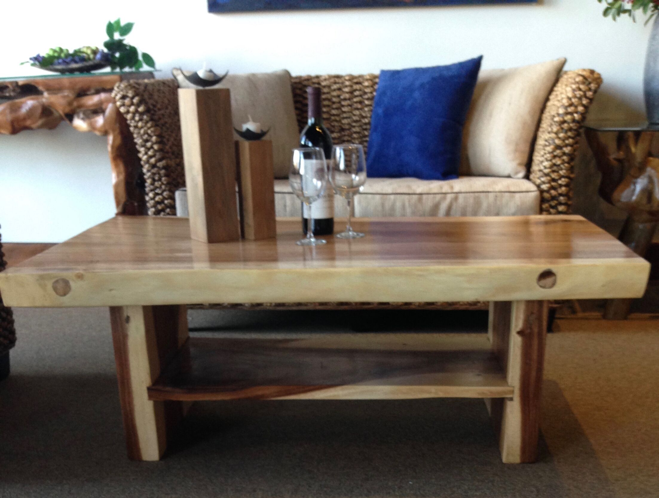 Suar Coffee Table