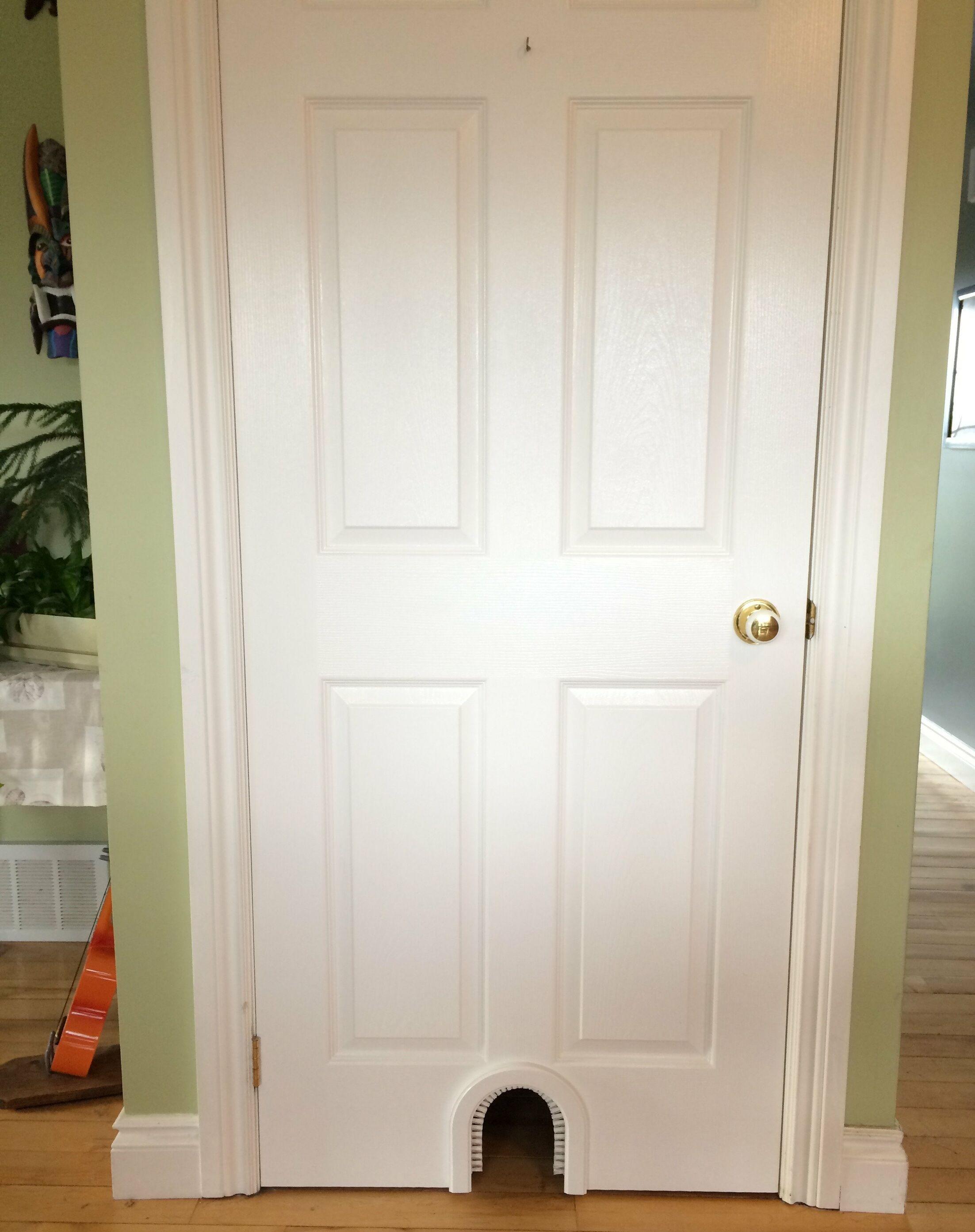 Innman Cat Door with a Brush