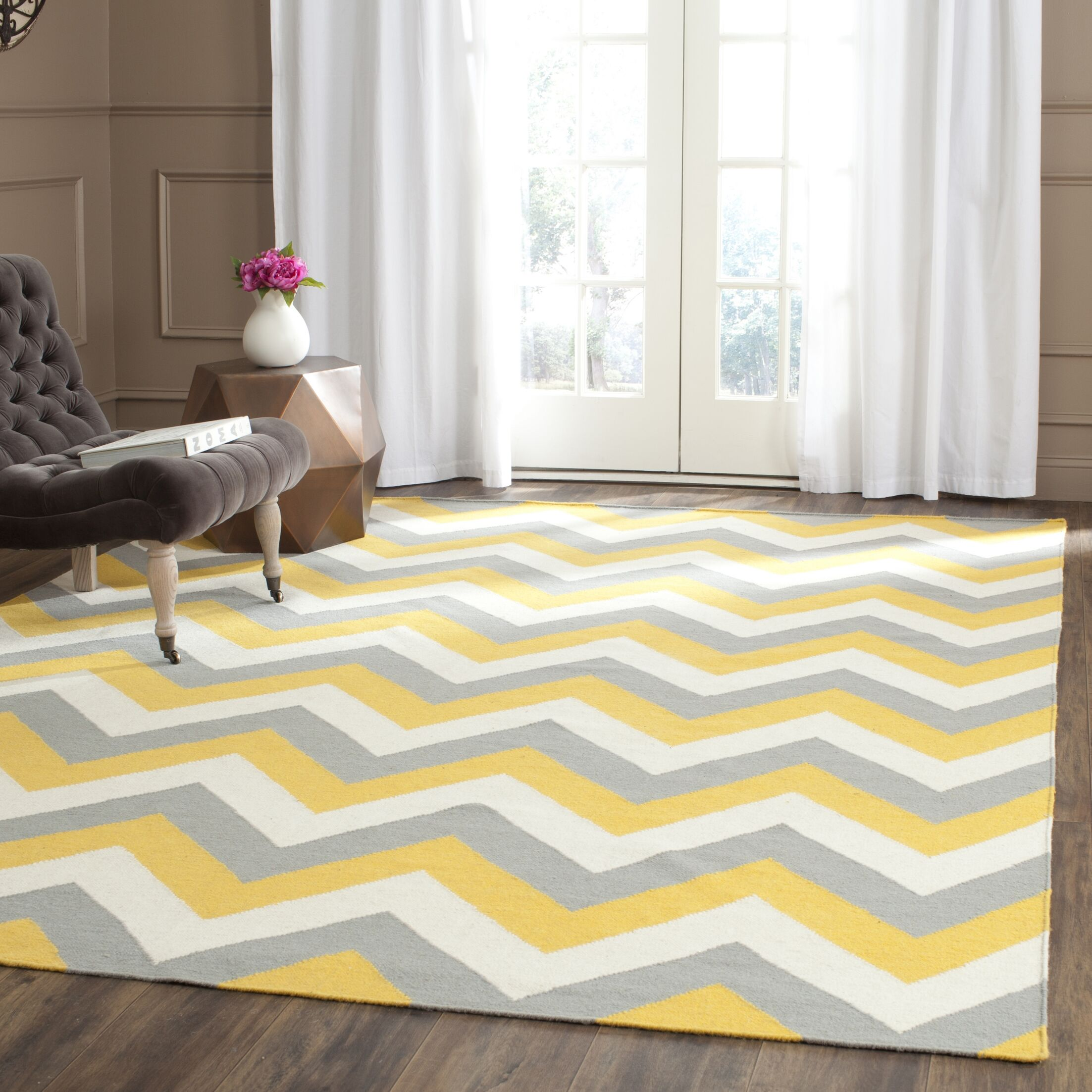 Dhurries Hand-Woven Cotton Chevron Area Rug Rug Size: Rectangle 6' x 9'