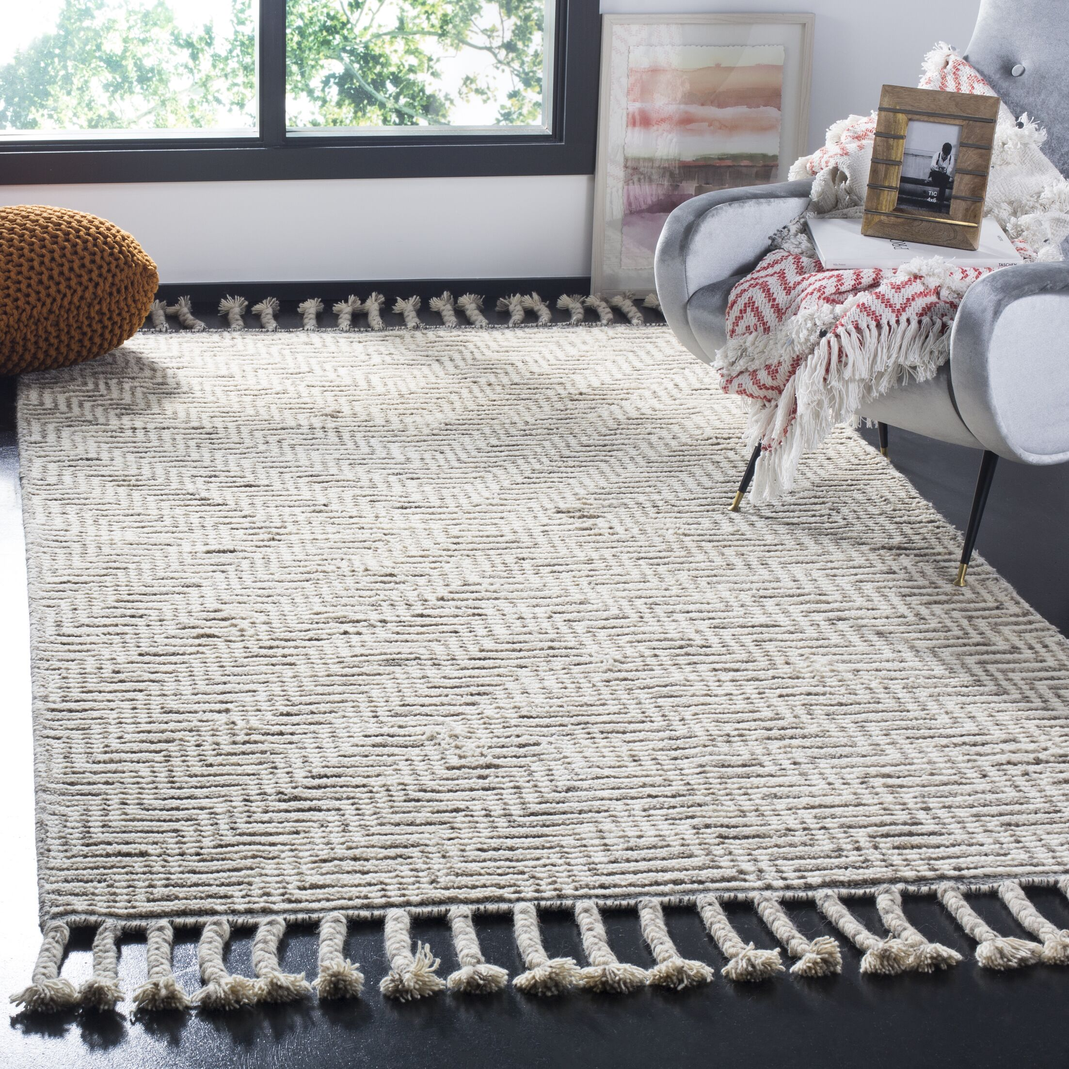Piya Hand-Knotted Wool Ivory/Gray Area Rug Rug Size: Rectangle 8' x 10'