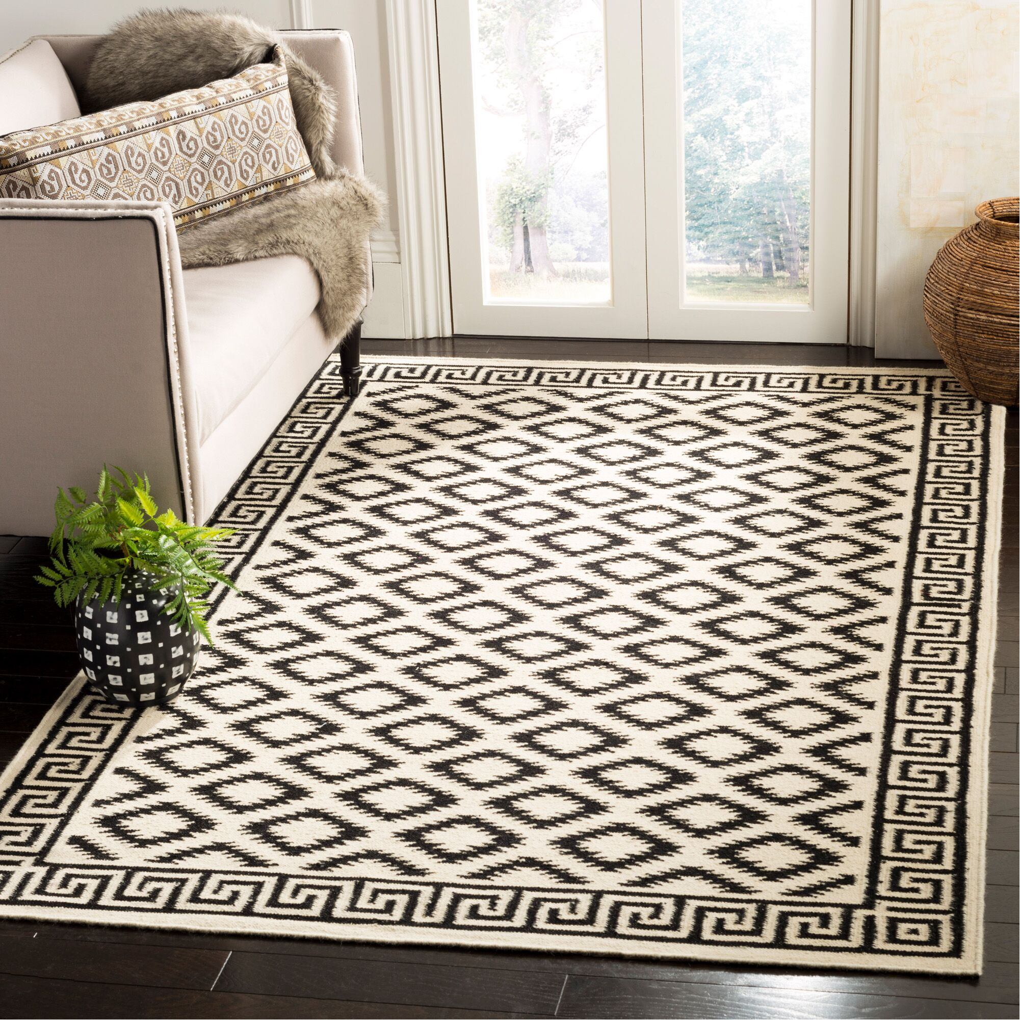 Dhurries Hand-Tufted Wool Brown/Ivory Area Rug Rug Size: Rectangle 5' x 8'