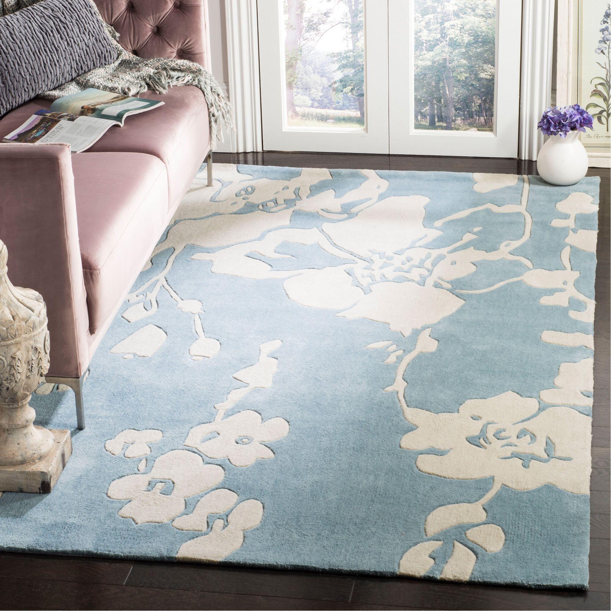 Modern Art Blue/Ivory Rug Rug Size: Rectangle 5' x 8'