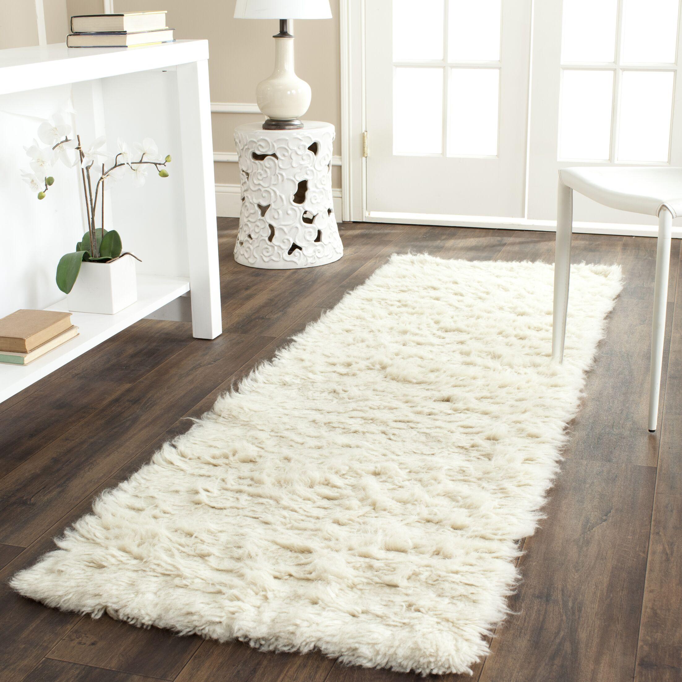 Flokati Hand-Tufted Wool Ivory Area Rug Rug Size: Runner 2'3