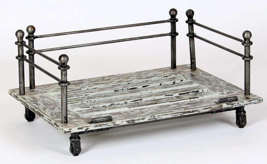 Industrial Cast Iron Dog Bed Size: Small (27.5