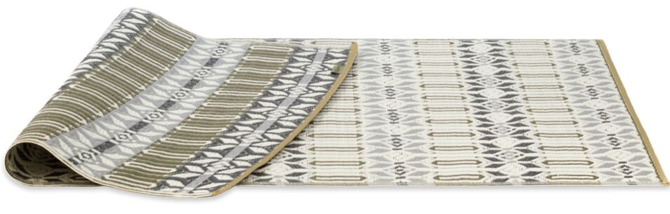 Tahnaout Hand-Woven Gray Area Rug Rug Size: 5' X 8'