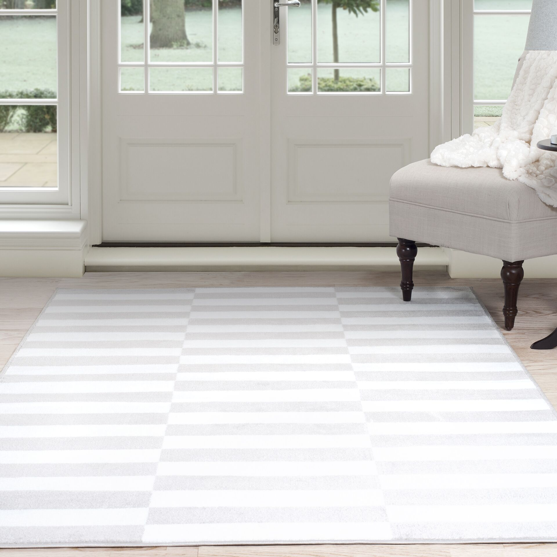 Checkered Stripes White/Gray Area Rug Rug Size: Rectangle 5' x 7'7