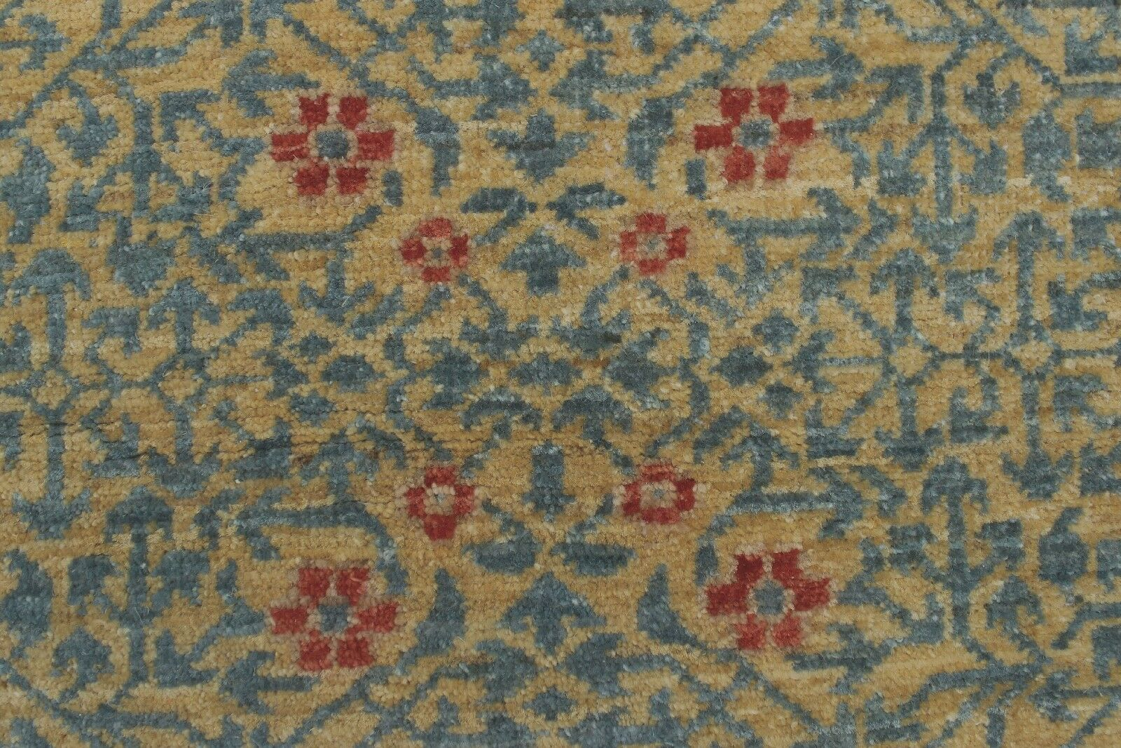 Blanca Hand Knotted Wool Gold Area Rug