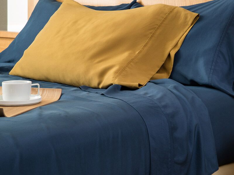 Matte Silk Pillow Case Color: Gold, Size: King/California King