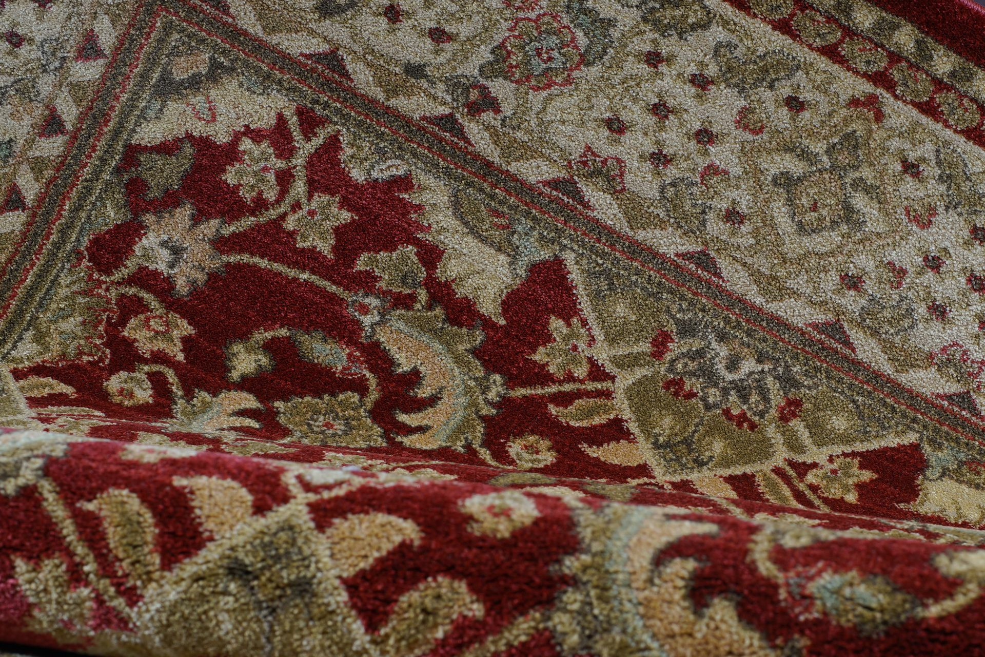 Austell Red/Cream Area Rug Rug Size: 3'9