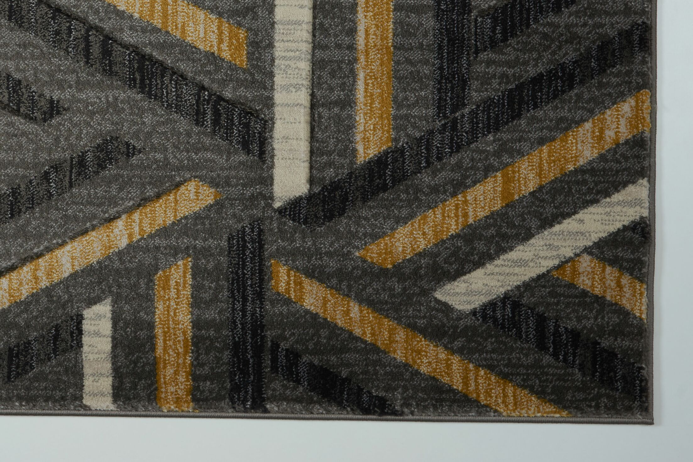Ramage Gray/Gold Area Rug Rug Size: 2'7