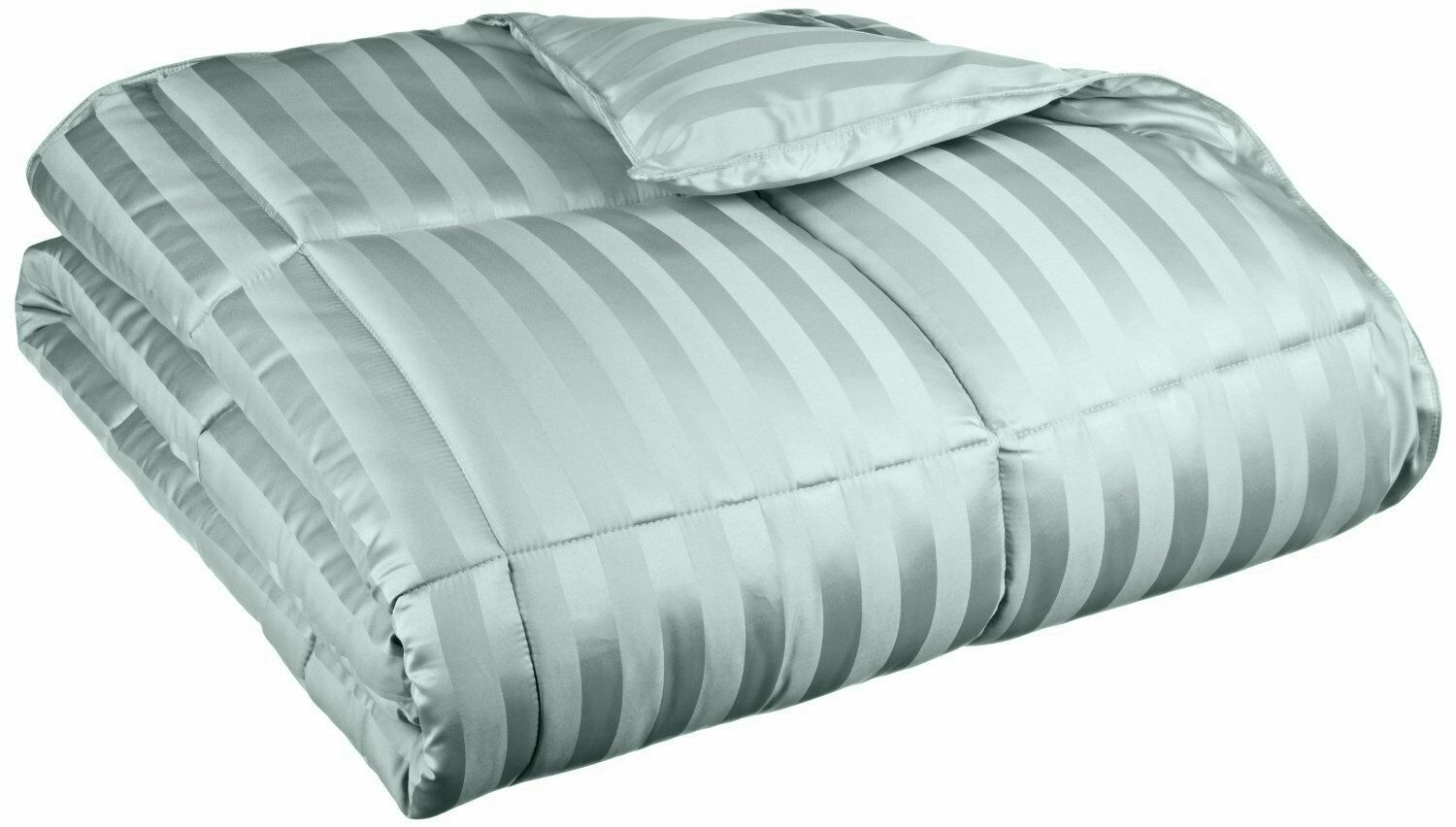 Midweight Down Alternative Comforter Color: Jade, Size: King