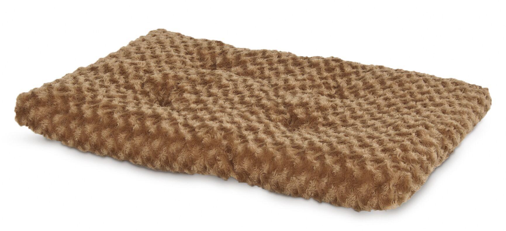 Plush Kennel Dog Mat Size: 16.5