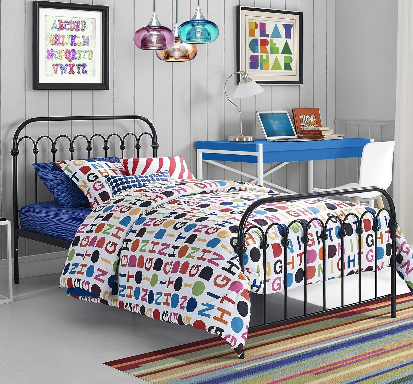 Bright Pop Platform Bed Size: Full, Color: White