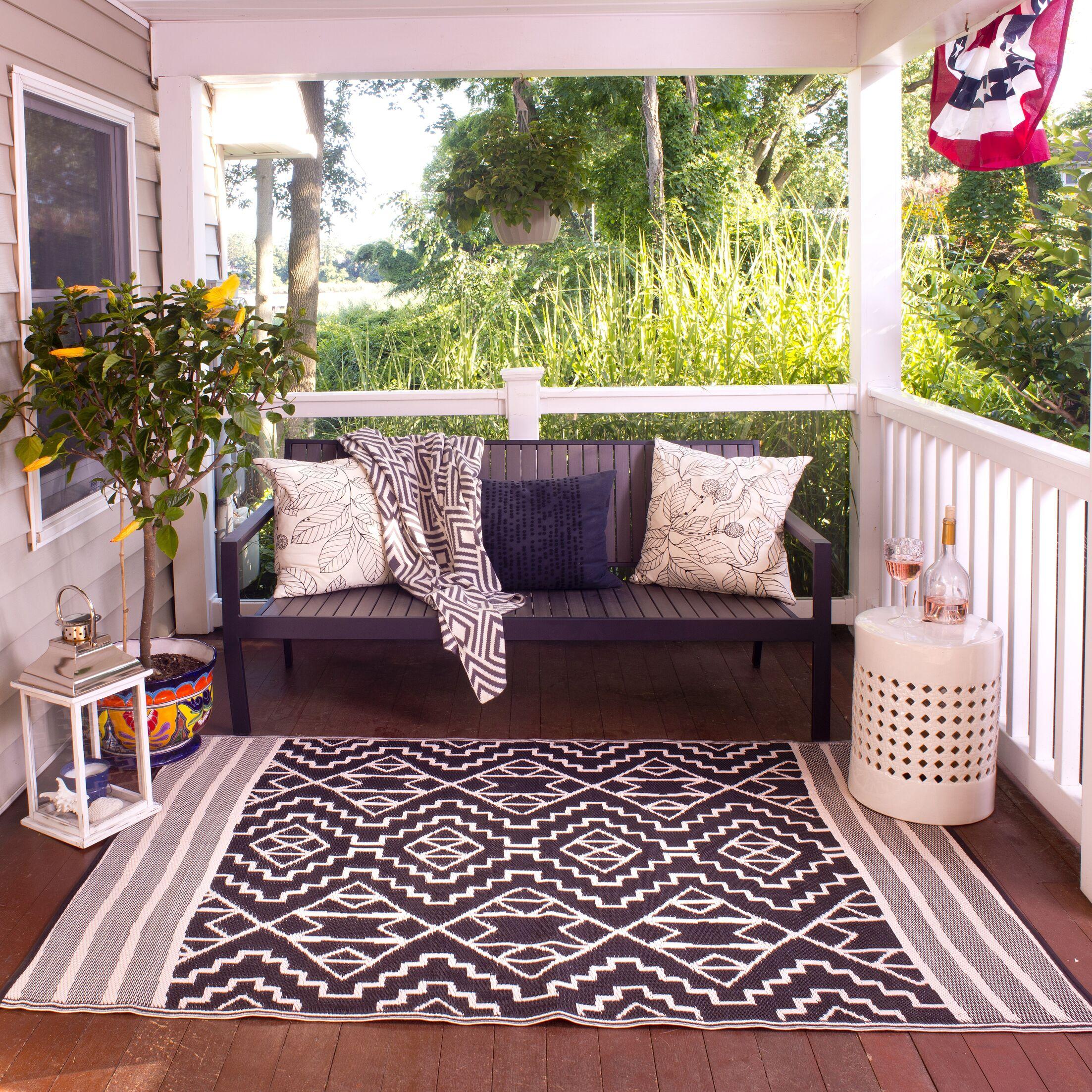 Tayler Indoor/Outdoor Black/Beige Area Rug Rug Size: Rectangle 6' x 9'