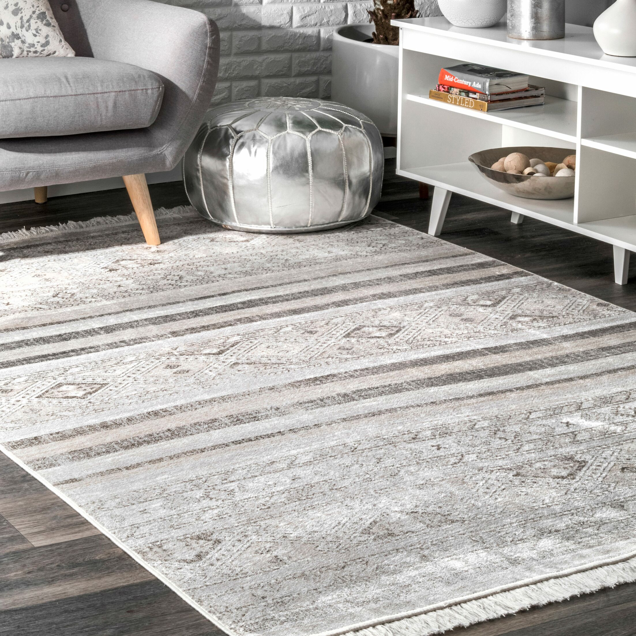 Singh Gray Area Rug Rug Size: Rectangle 6' x 9'